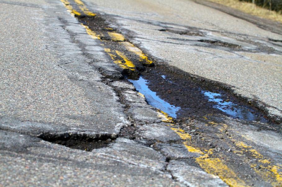 MI Crumbling Road (1)